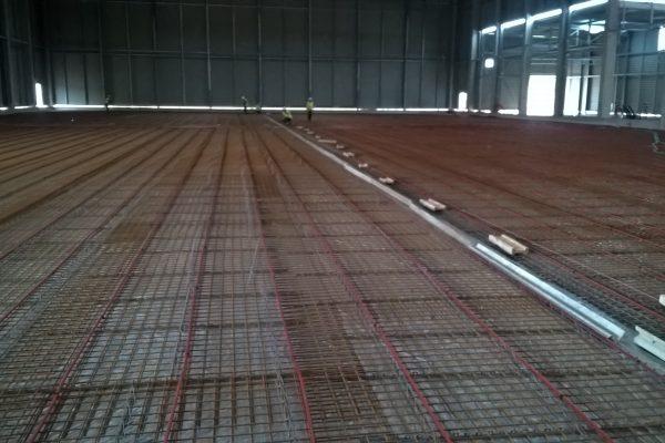 Le dallage industriel dans la construction d'une chambre froide chez Frilap.